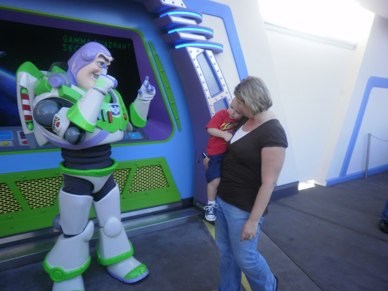 We did however go back a week later and found Buzz. Blake even posed  title=