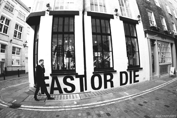 aliciasivert, Alicia Sivertsson, London, svartvitt, black and white, carnaby, fast or die