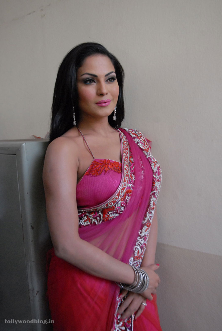 hot Veena malik new