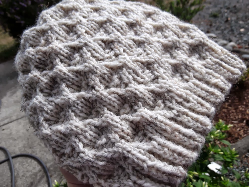 Free Knitting Patterns For Worsted Weight Yarn : kanitted: Two New Hat Patterns