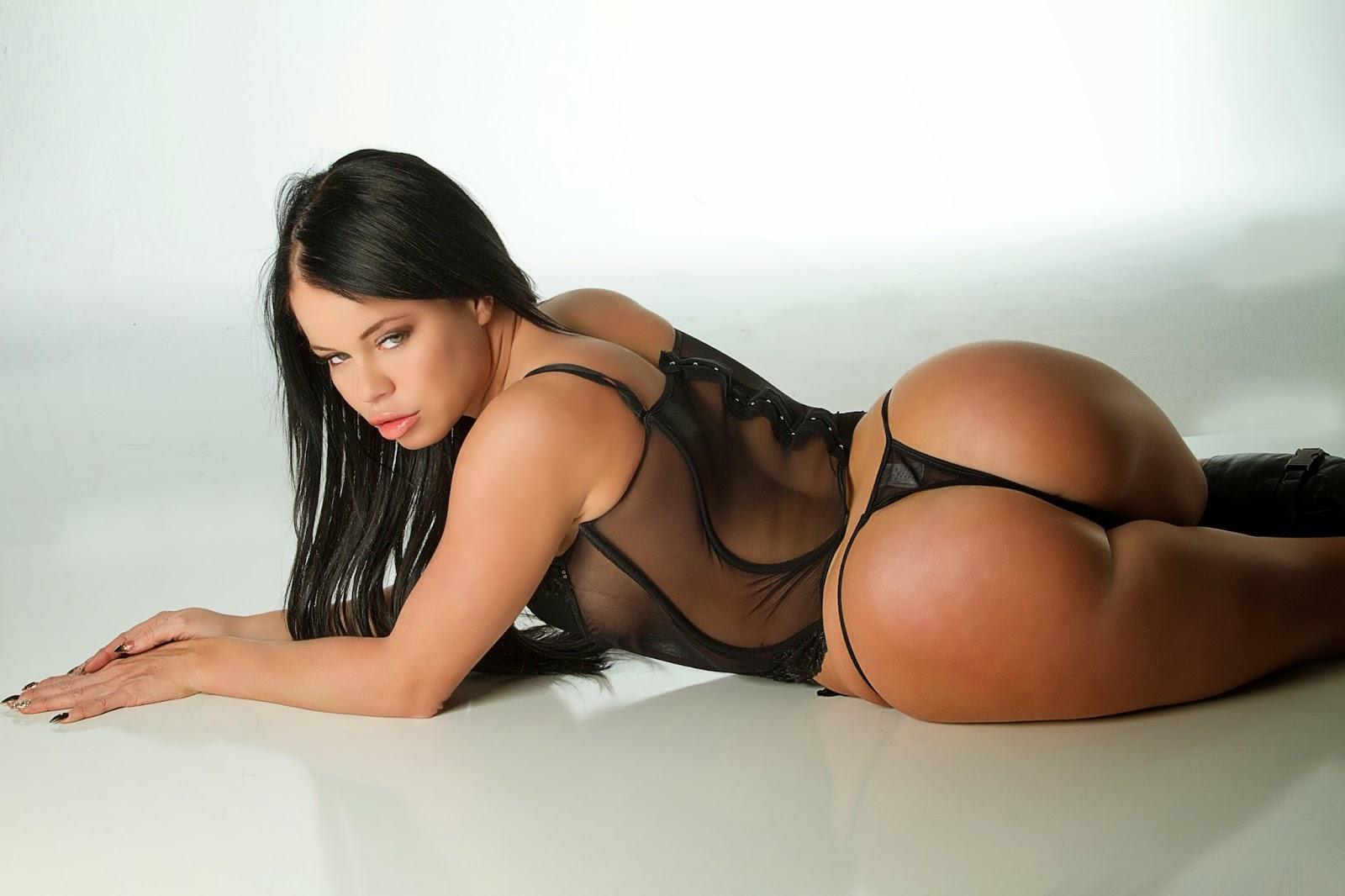Big booty big boobs ebony