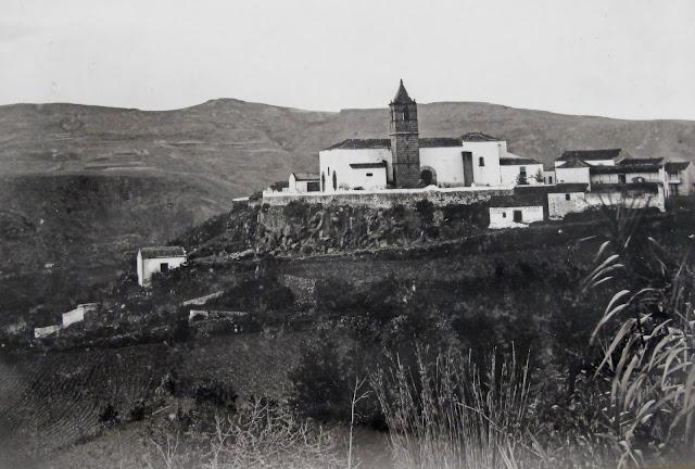 Parroquia de Santa Brigida. Aproximadamente en los años 1890-1895.