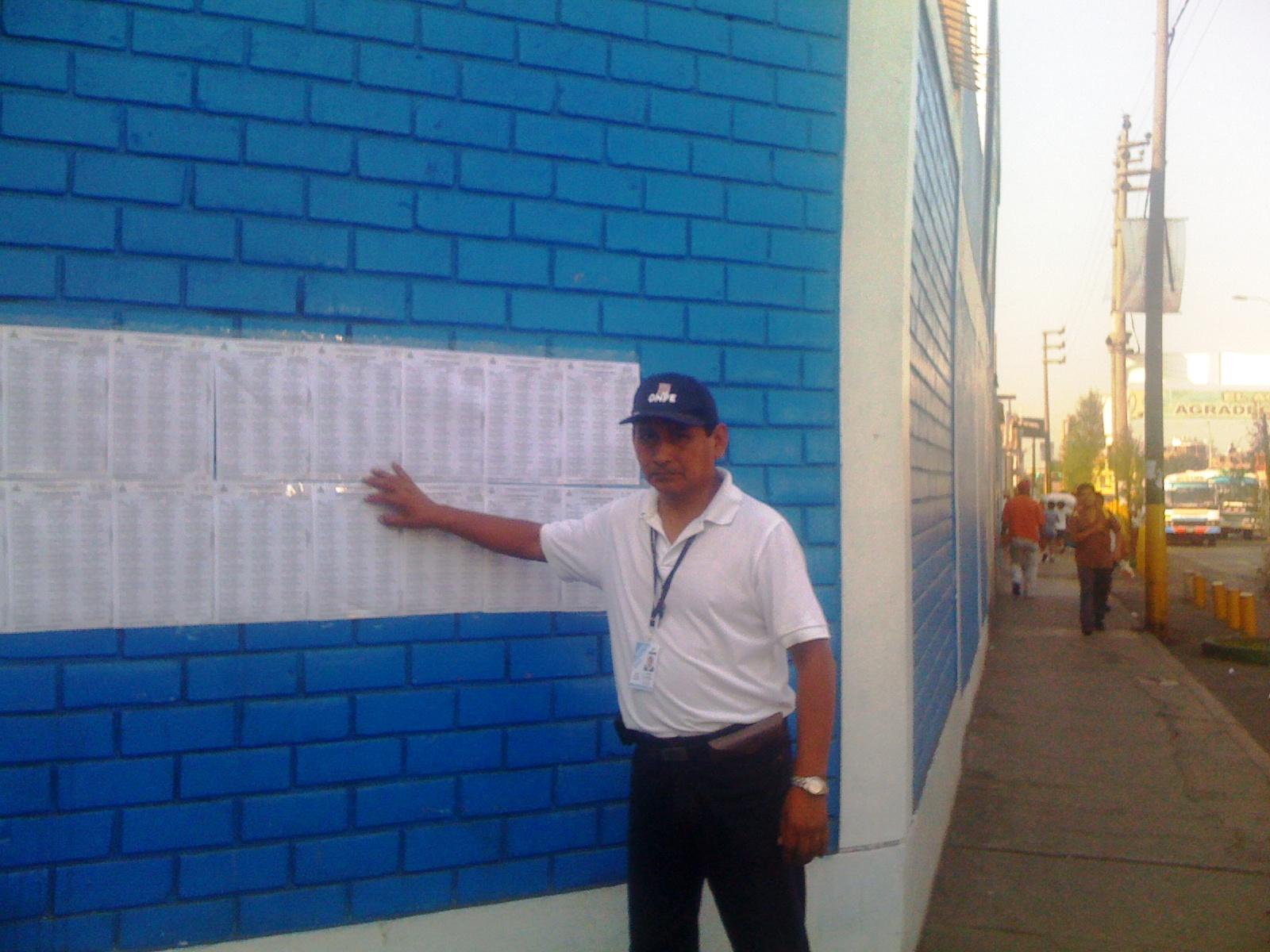 Entrega de credenciales, cerro 7 de Octubre - El Agustino