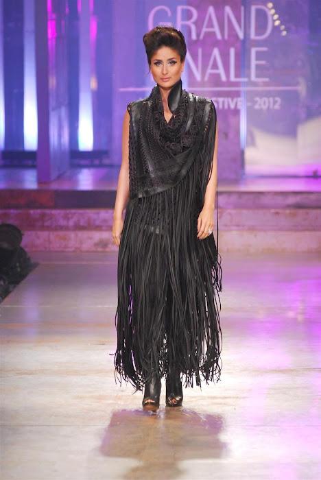 kareena kapoor stopper for designers pankajnidhi lfw 2012. unseen pics