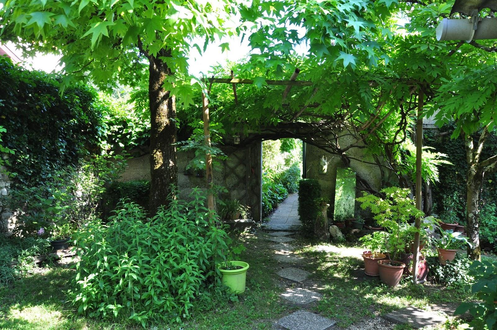 Le Jardin du BoisJoli RencontreLe Clos du Lotaret