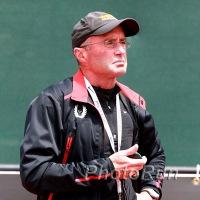 コーチ:アルベルト・サラザール