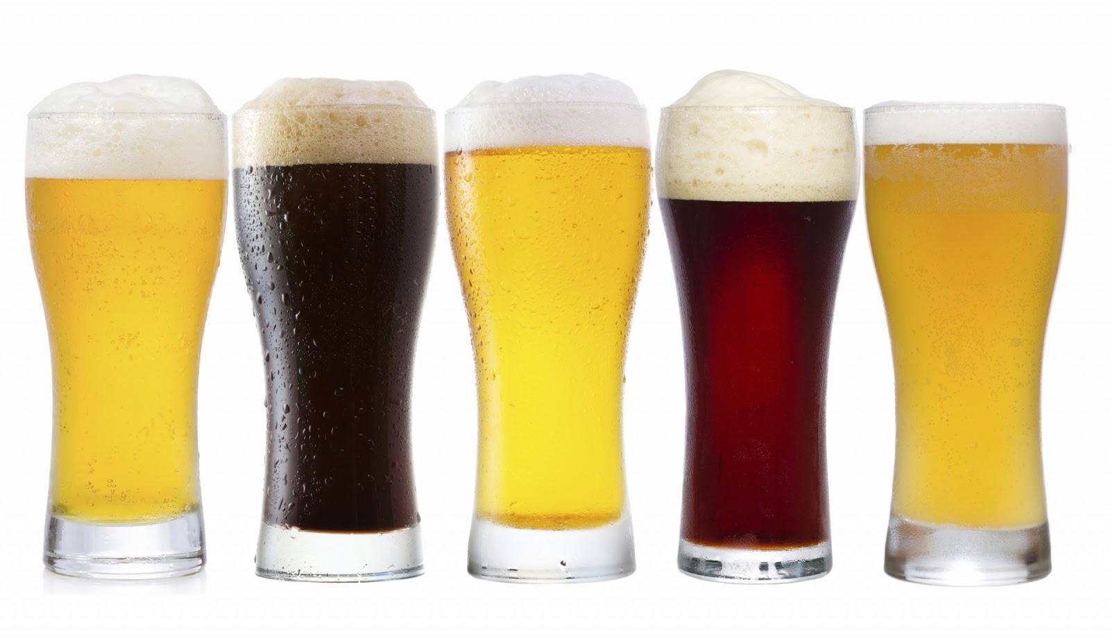 La espuma de la cerveza. | Una birra por favor!