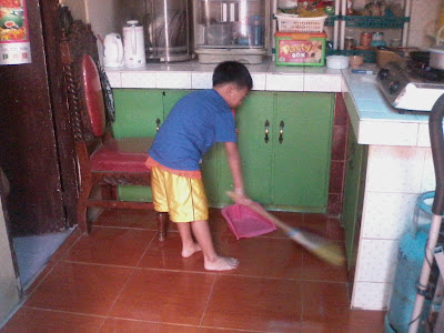 Picture of child working