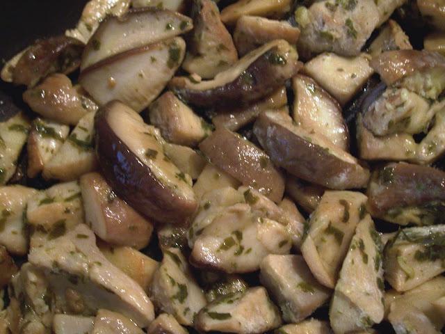 i funghi possono essere adoperati per realizzare diversi tipi di ricette e piatti dagli antipasti ai contorni in quanto sono alimenti abbastanza versatili