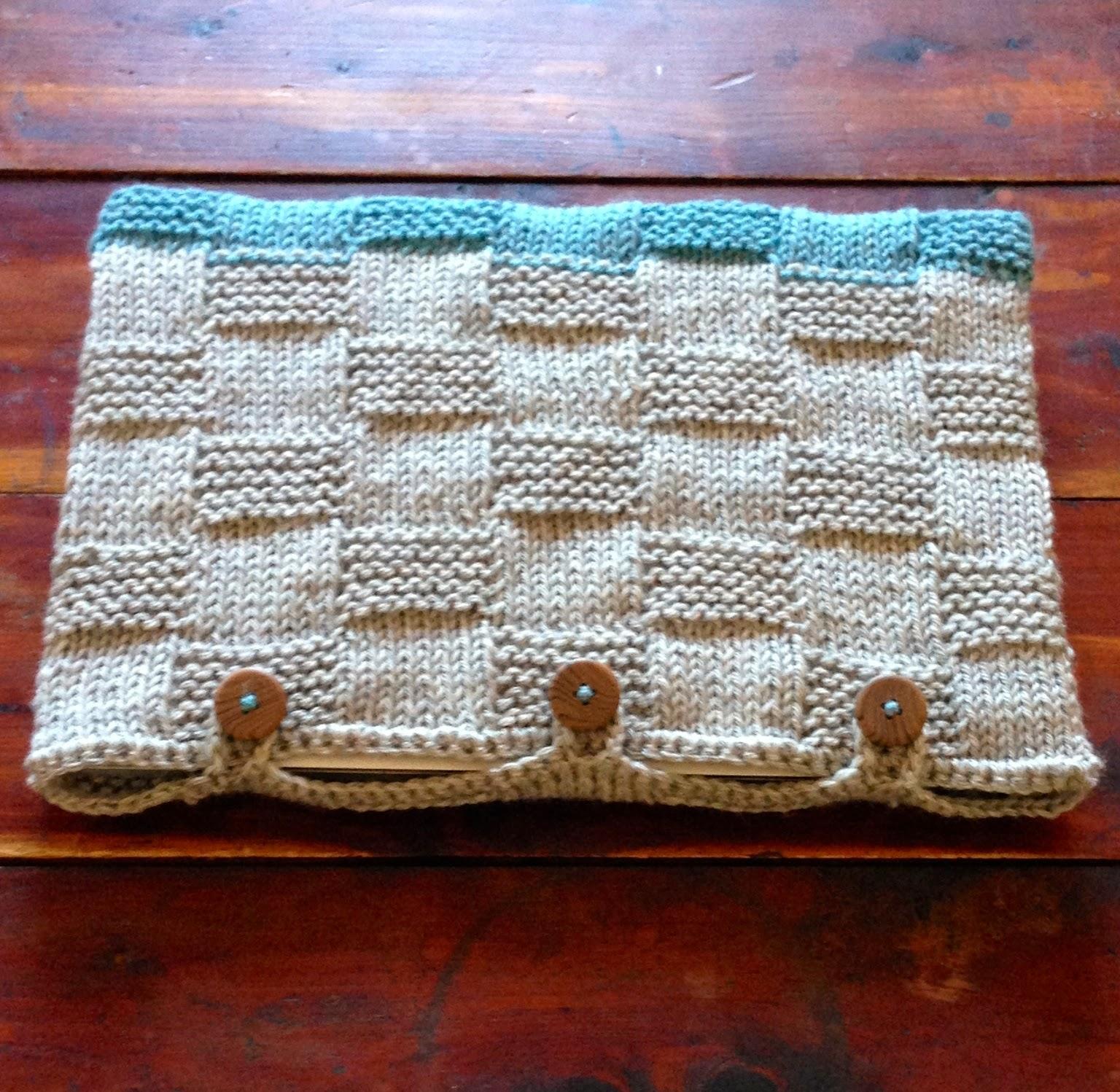 Handcrafted Vintage: Basket-weave Laptop Sleeve