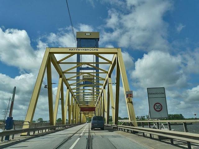 جسور+ثقف+نفسك+222 مدينة الجسور في هامبورغ