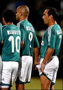Edmundo jogador de futebol Mala / Pau Duro / Nu /