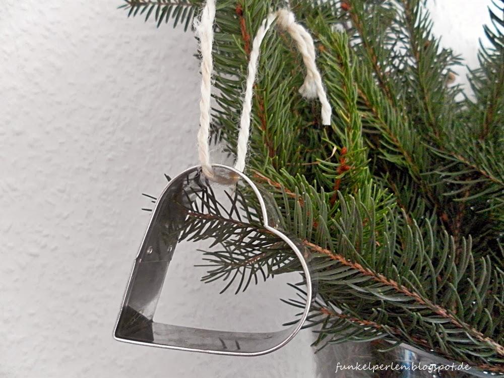 DIY-Quickie: Tannendeko und Weihnachtskarten // funkelperlen.blogspot.de