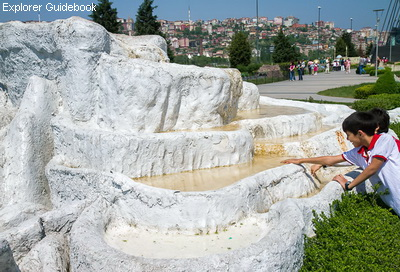 Miniaturk taman miniatur terkenal di Istanbul Turki