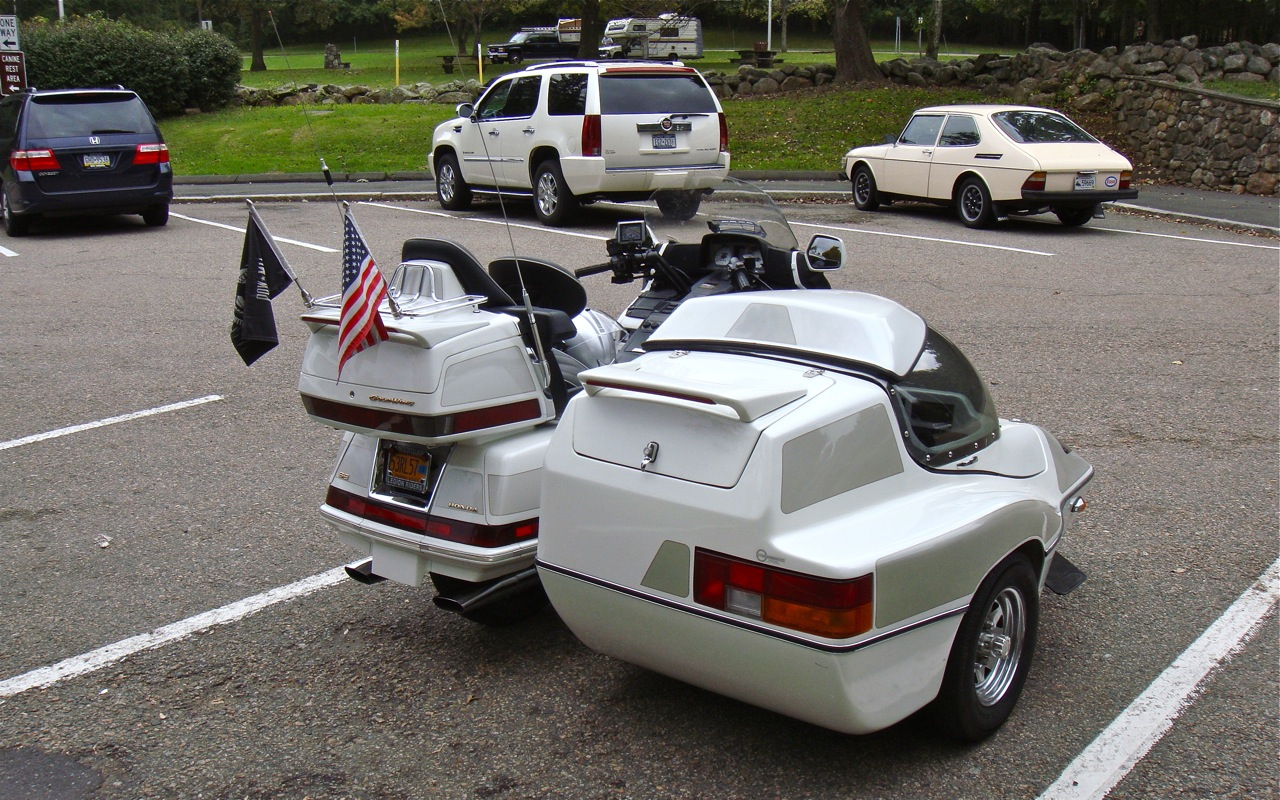 Motorcycle sidecar for honda goldwing