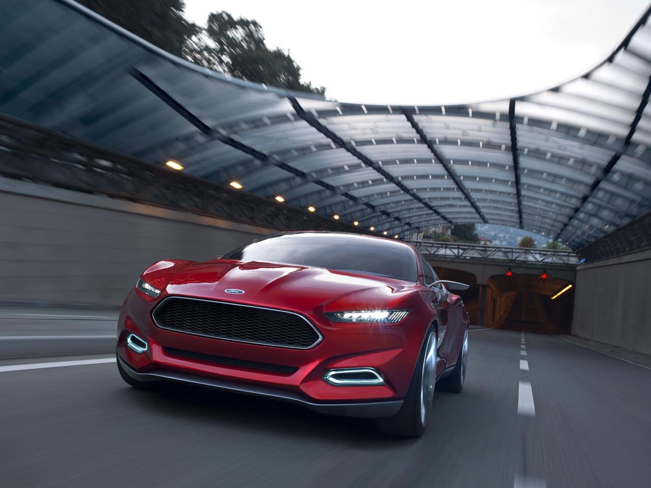 http://1.bp.blogspot.com/-bCpyZVevO-w/T_145L7lsyI/AAAAAAAAMts/5Ra_X7TA0yk/s1600/Ford+Mustang+GT+(2015)5.jpg