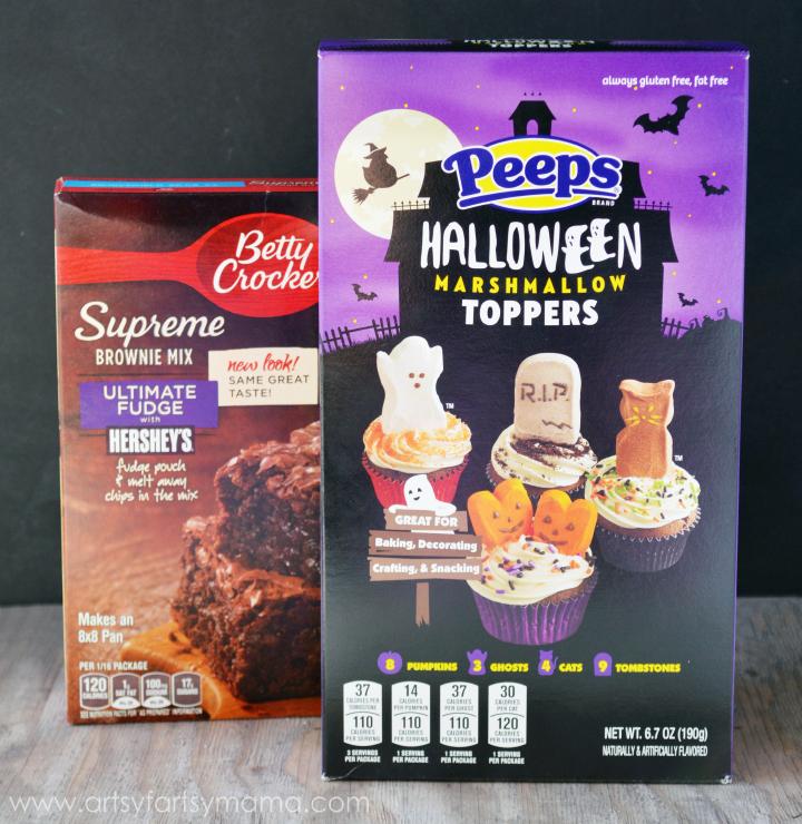 Spooky S'more Brownies at artsyfartsymama.com #SpooktacularSnacks # ...