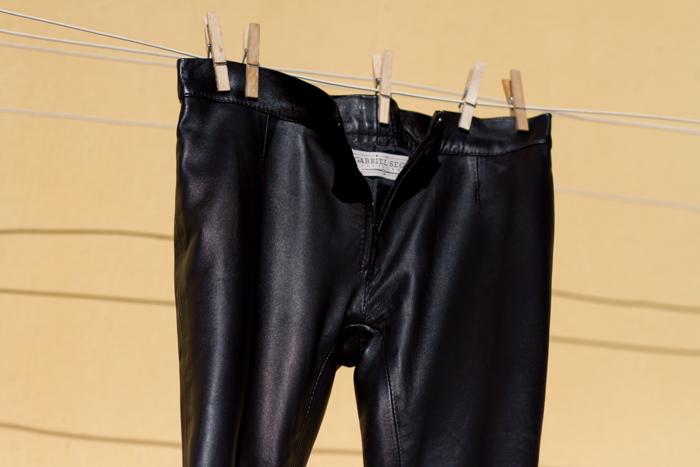 Pantalones-pitillo-ajustados-Skinny-cremallera-pernera-cintura-baja-femeninos-Blogger_Moda_España-cuero