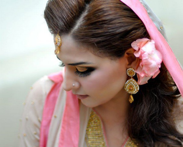 ... bridal hairstyle 2013 and the stylish look of makeup with hairstyle