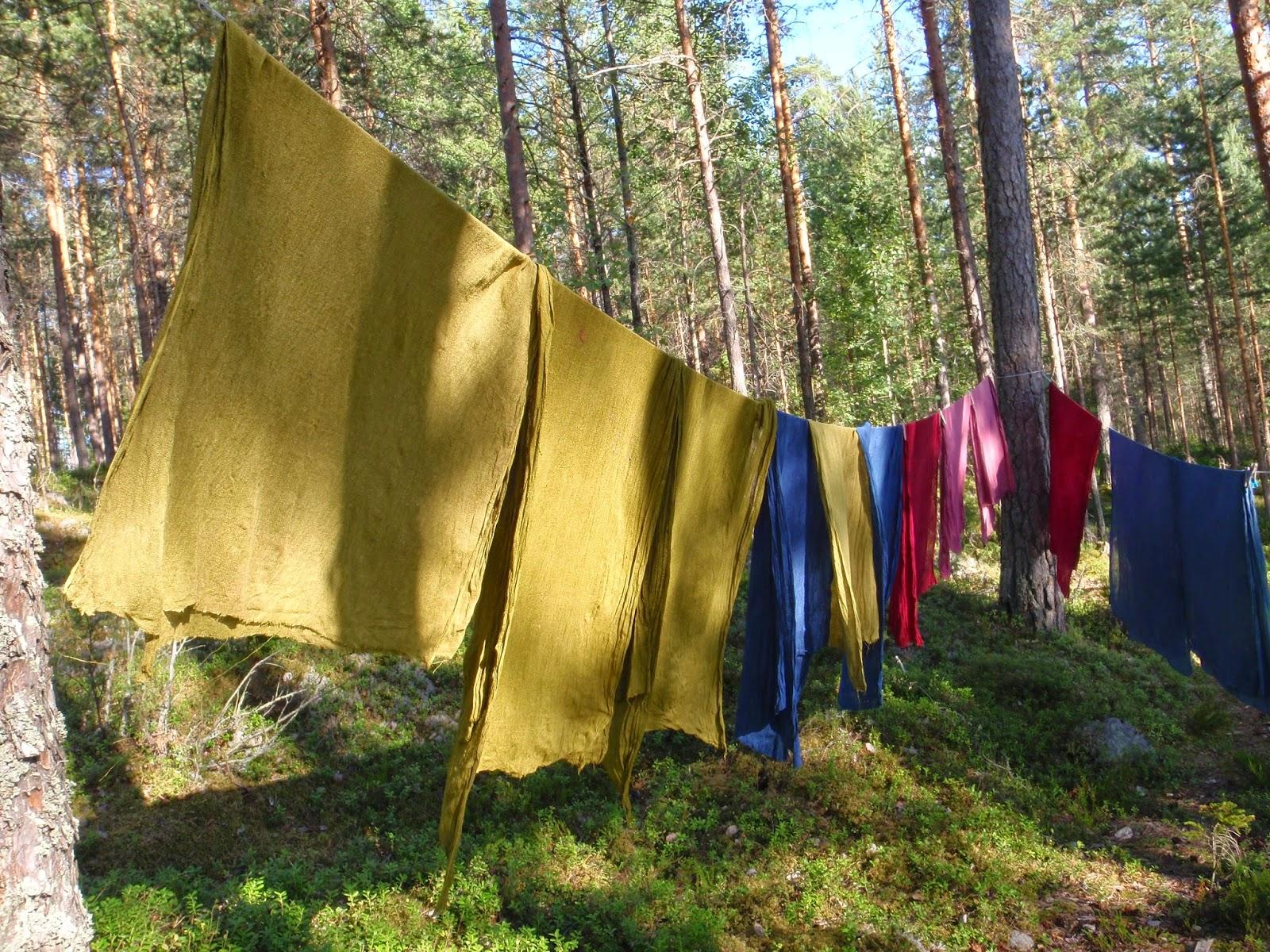 Vaatteiden värjäys ilman pesukonetta