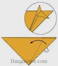 Bước 5: Mở lớp giấy thứ 2 ra, kéo và gấp về phía bên trái.
