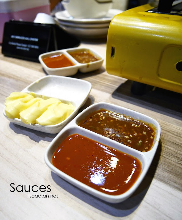 Simple, yet flavourful sauces to go with the steamboat