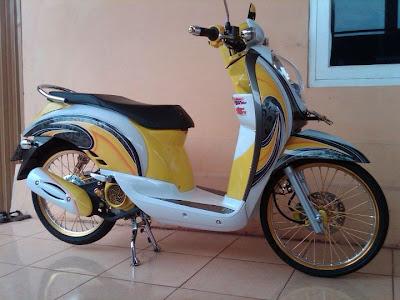 modif motor gaya thailand honda scoopy Racing Look Style