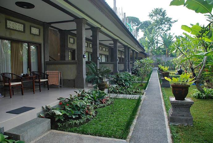 Jardín de hotel