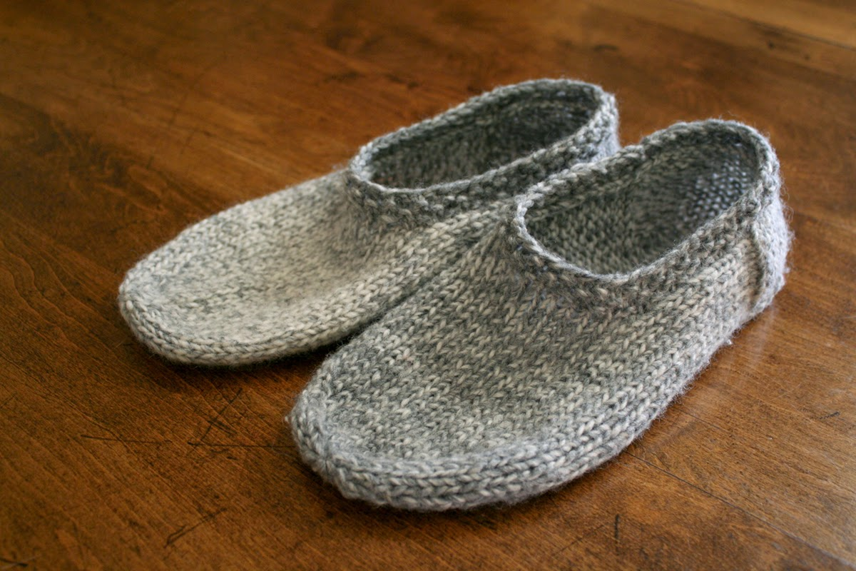 Knit Slippers Pattern Free : sam lamb: south marysburgh slippers
