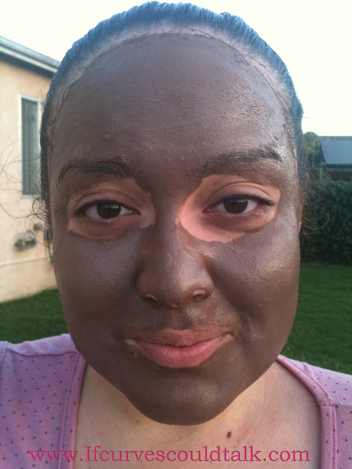 If curves could talk review montagne jeunesse facial mask when you first open the package up you smell chocolate it made me want a brownie i am dead serious when i say this it smelled amazing solutioingenieria Choice Image