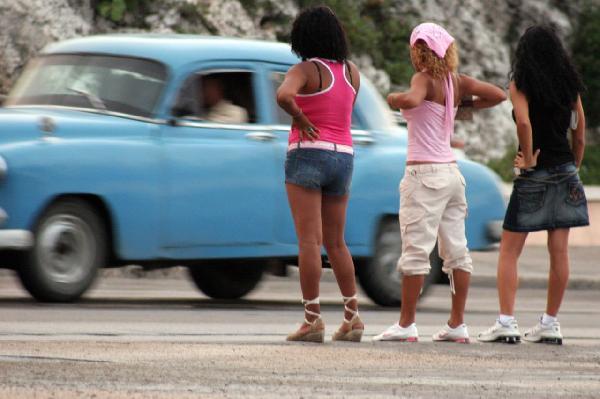 prostitutas en santiago de cuba policia prostitutas