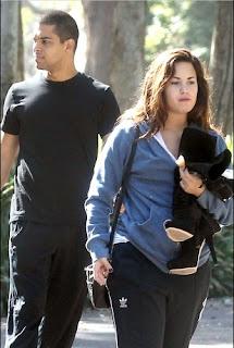 joe jonas and demi lovato dating 2009 dodge