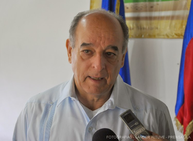 Profesor Fortunato González, director del Cieprol. (Foto: Lánder Altuve)