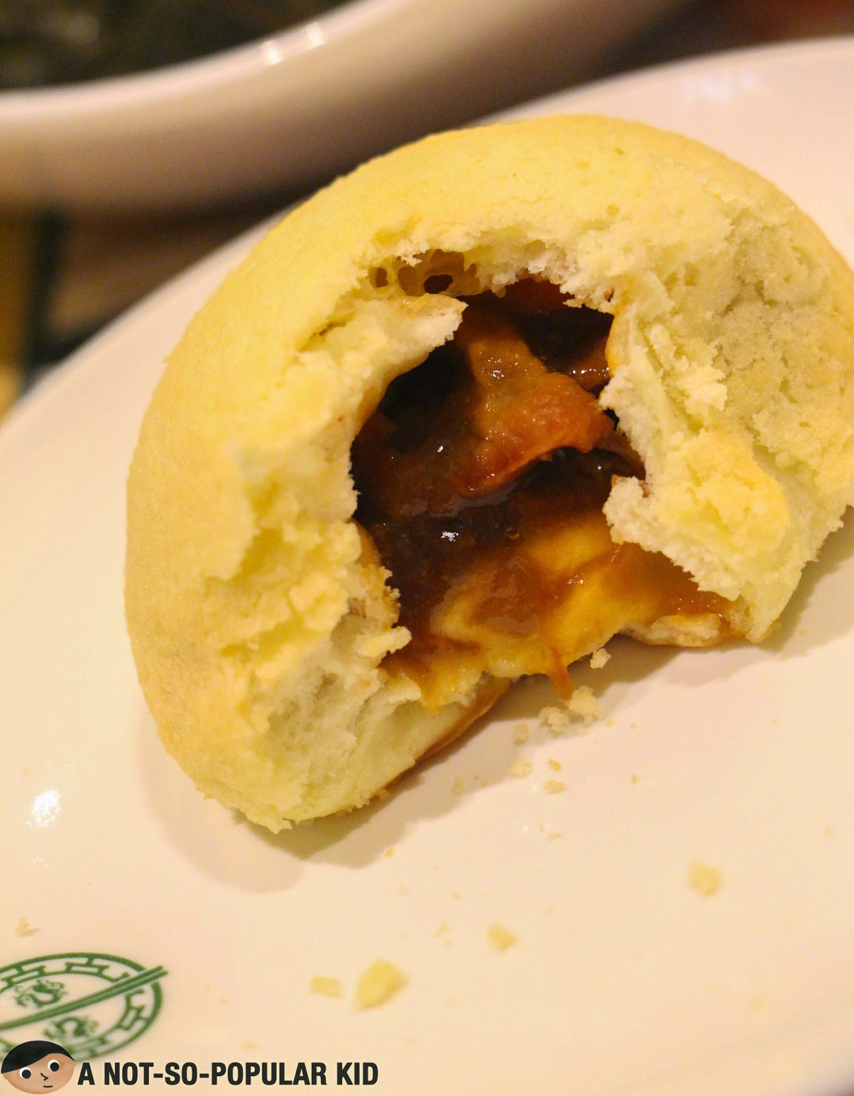 A closer look of the famous Baked Buns with Pork BBQ of Tim Ho Wan