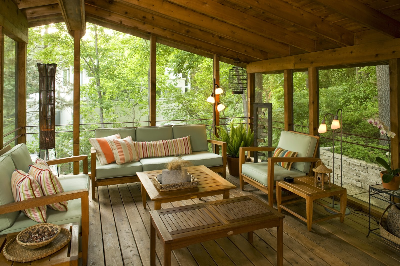 Small back porch decorating ideas for houses scenery for Covered deck furniture