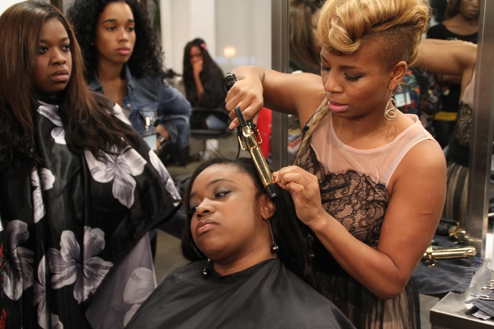 Hairstylist Salary : hair stylist - lengthphotos - Bloguez.com