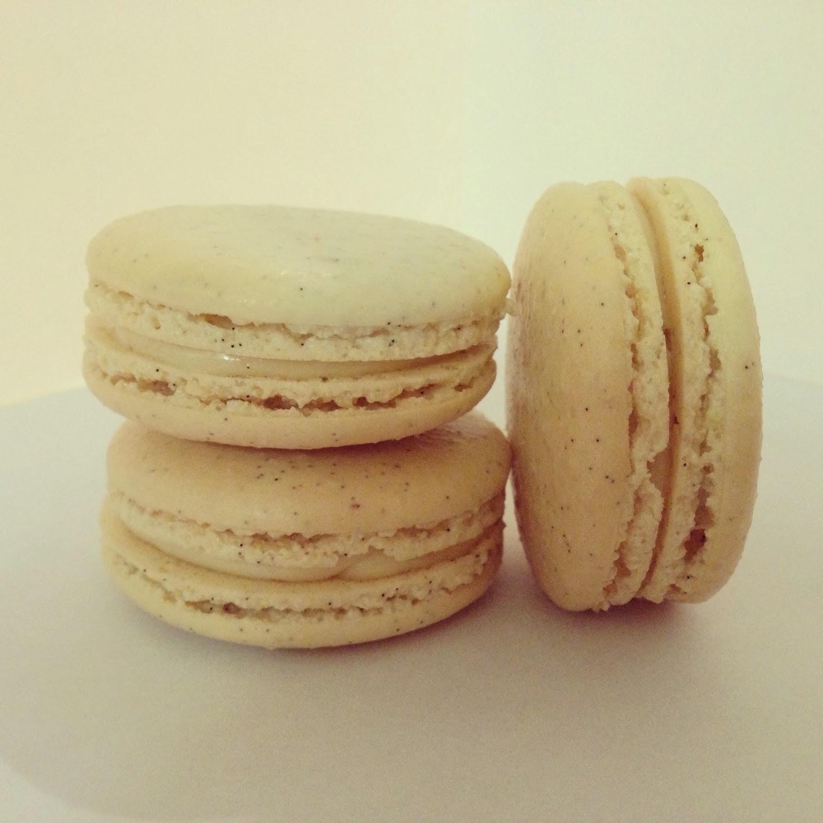 Vanilla Bean Macarons with a Light and Fluffy Vanilla Bean Buttercream ...