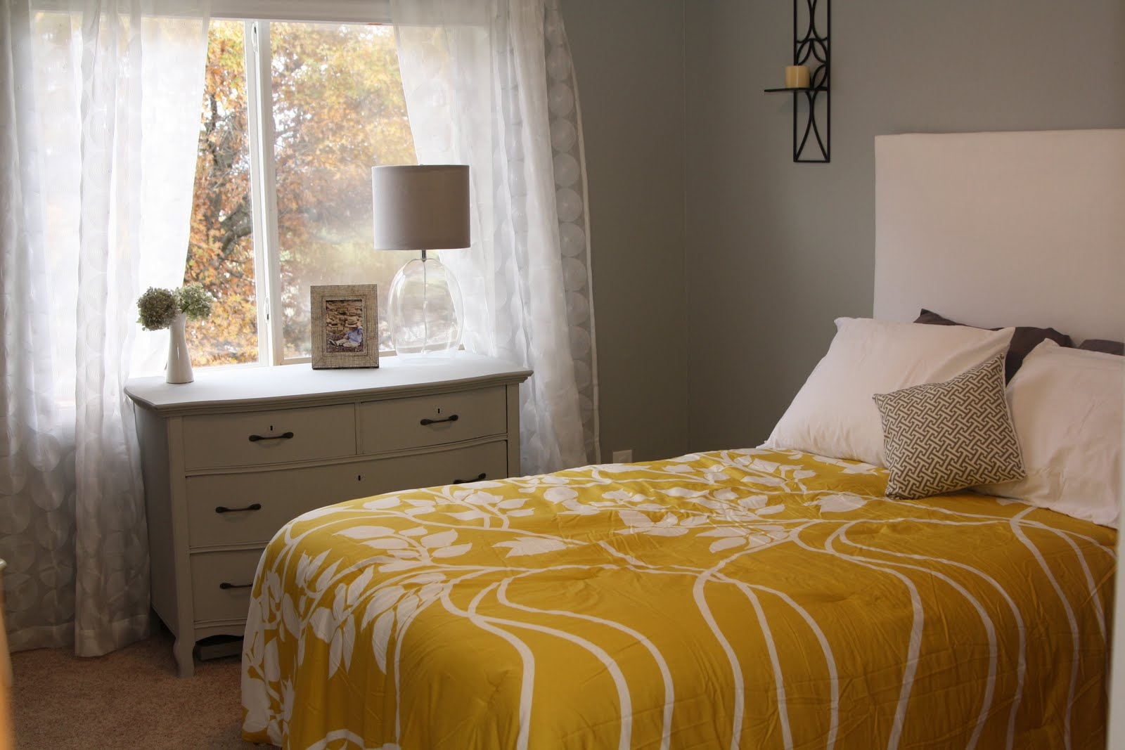 Decorating The Dorchester Way Gray And Yellow Guest Room
