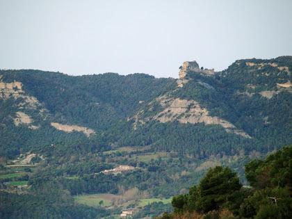 El Castell de Sant Martí de Centelles vist des del Torrent del Fitó