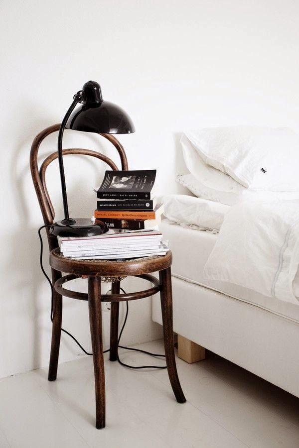 mesita de noche original silla