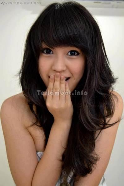 Vania Larissa Cute
