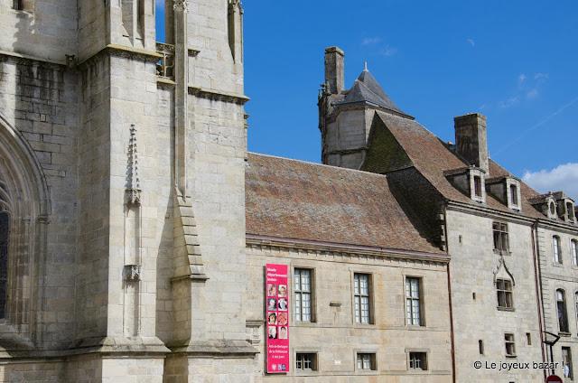 Quimper - catédrale et musée départemental breton