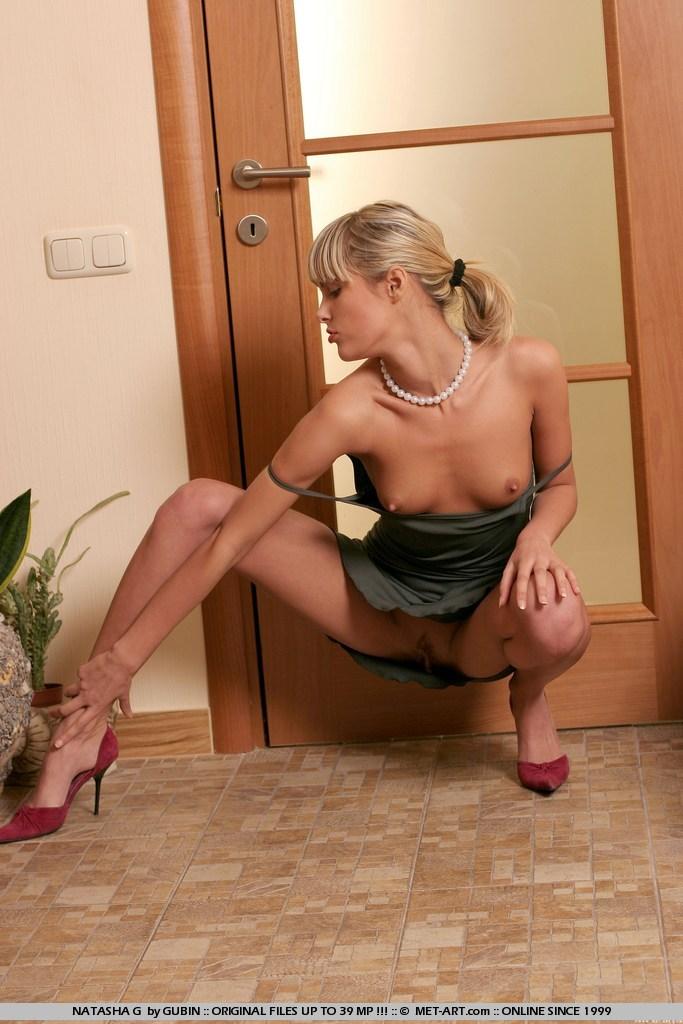 Nude Natasha Lyonne Boobs