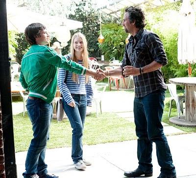 Josh Hutcherson (Laser), Mia Wasikowska (Joni) y Mark Ruffalo (Paul)