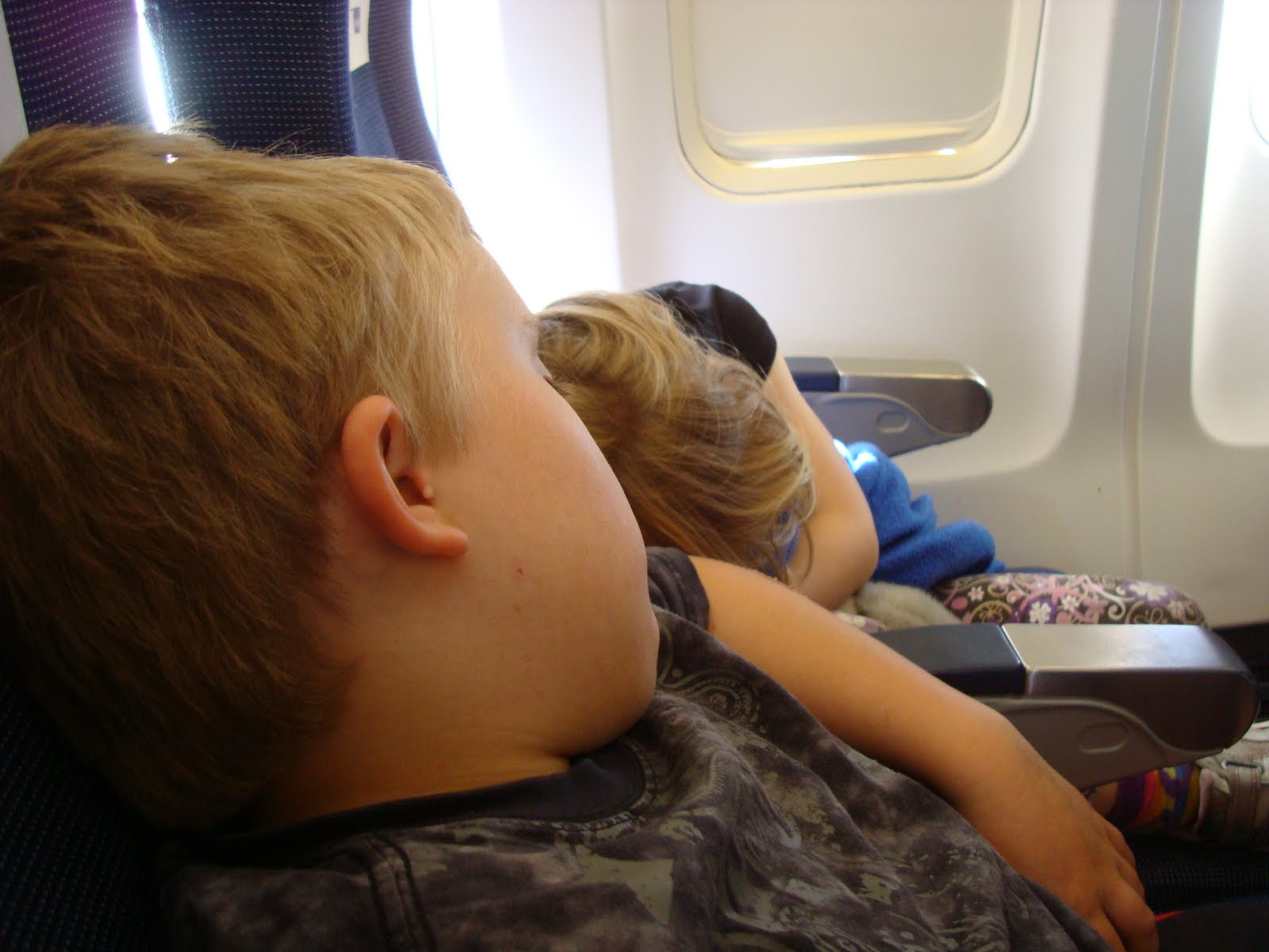 Traveling With Kids Flying With Kids It S Not As Bad As