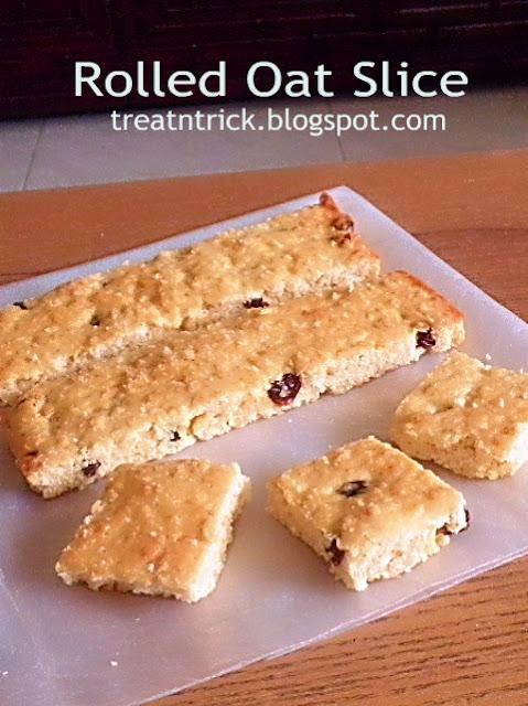 Rolled Oat Slice Recipe @ treatntrick.blogspot.com