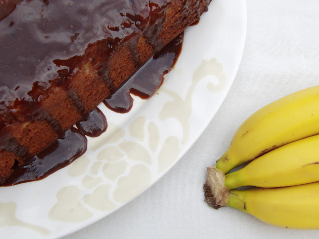 Bizcocho de plátano, caramelo y especias garam masala