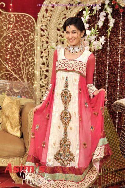 Latest Wedding Dresses on Pakistani Beauty Queen Shaista Wahidi Wedding Dress Fashion   Latest