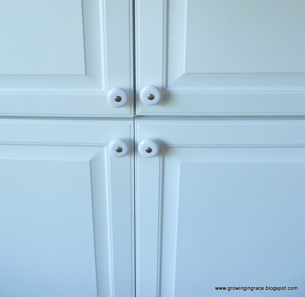 Growing in Grace: Garage Sale Kitchen Cabinets Makeover