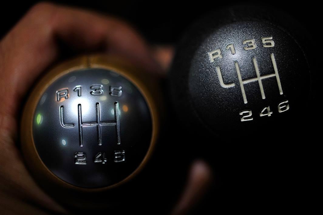 2013年07月24日製造の Shift 911 GT3 6 速MT マニュアルShiftを装着です。